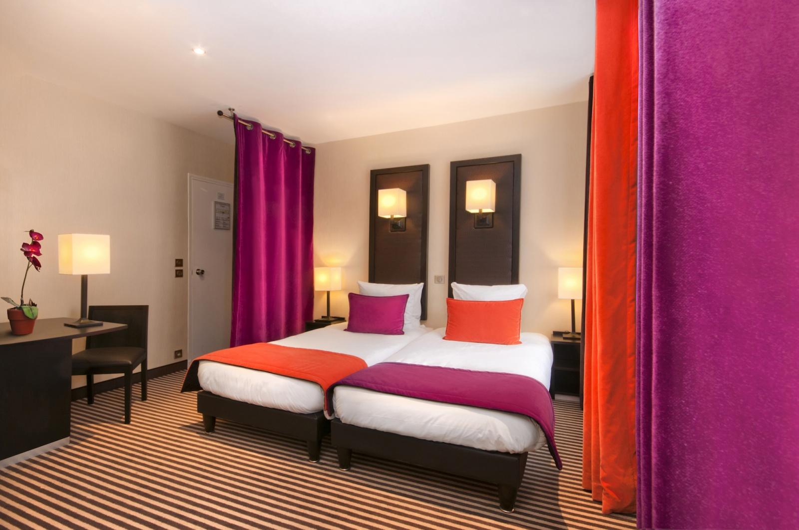 chambre double ou twin sup rieure 17m en moyenne h tel pax op ra paris. Black Bedroom Furniture Sets. Home Design Ideas